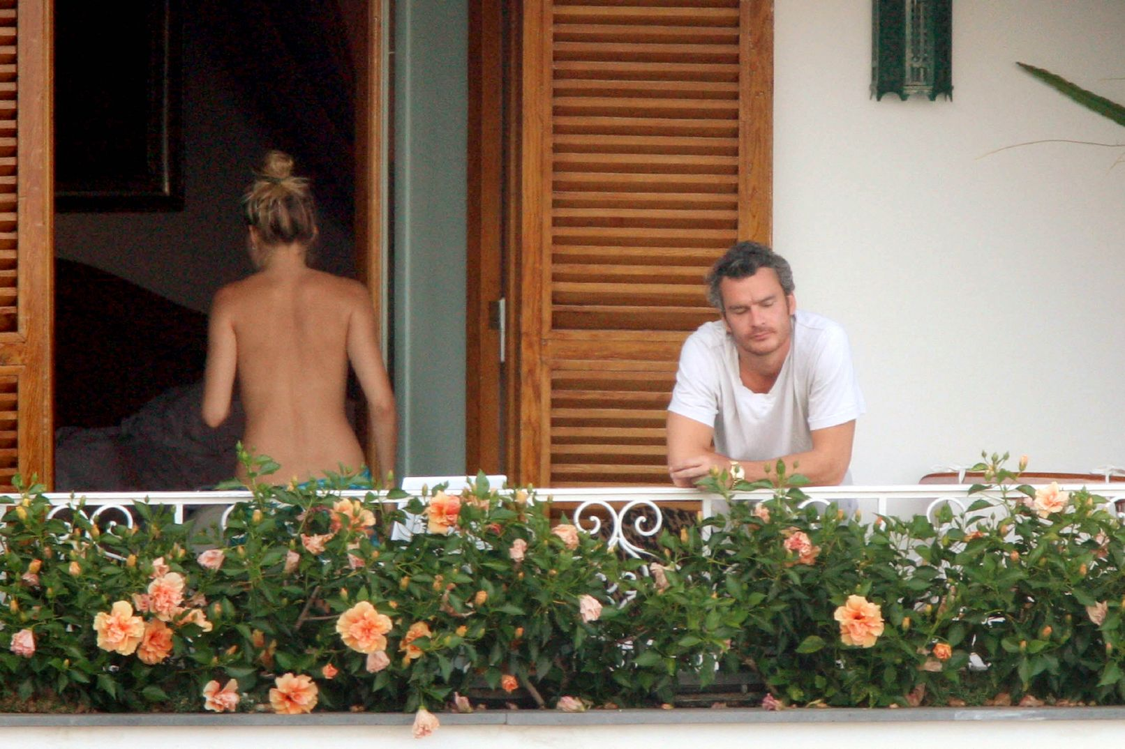 Balthazar getty puts the squeeze on sienna: photo 1272001 ba.